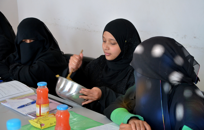Skills building courses offered to survivors of violence at UNFPA-supported safe spaces  ©UNFPA Yemen